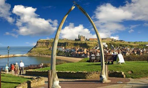 whitby beach whale bone arch